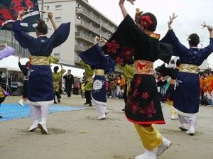 高知よさこい祭り2015年をチェック!芸能人も来る?!