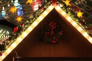 クリスマスイルミネーションを自宅ですると電気代が心配?