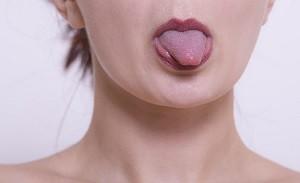 舌のセルフチェック