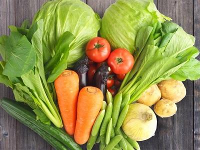 顔の浮腫みを解消する野菜