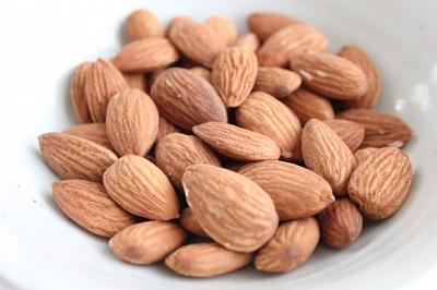 アーモンドのカロリーと栄養をチェック!何粒食べたらアウト?!